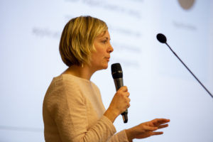 Photo of Heather Williams presenting at the 2019 IDEA conference